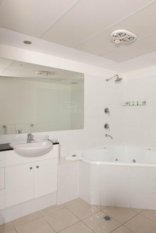 rooms shellharbour motel. Black Bedroom Furniture Sets. Home Design Ideas